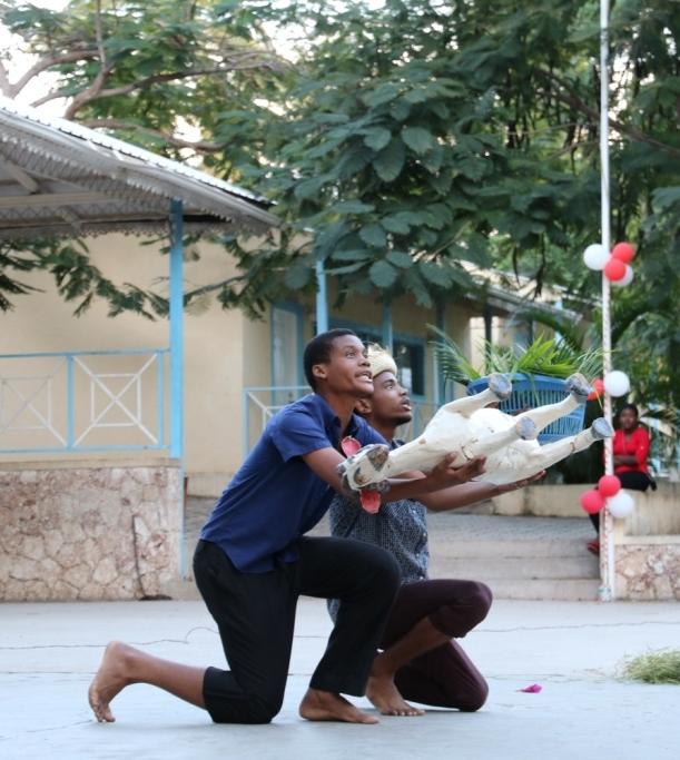 Fête de fin de trimestre, Yehoudi et Dooley