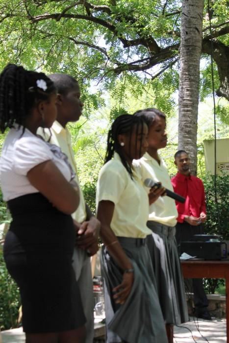 élèves de 3ème avec M. Célestin