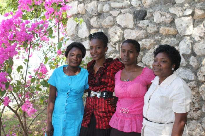 Mme Marcelin et l'équipe des enseignantes du jardin d'enfants